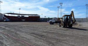 Empiezan la remodelación del estadio de Soles de Ojinaga